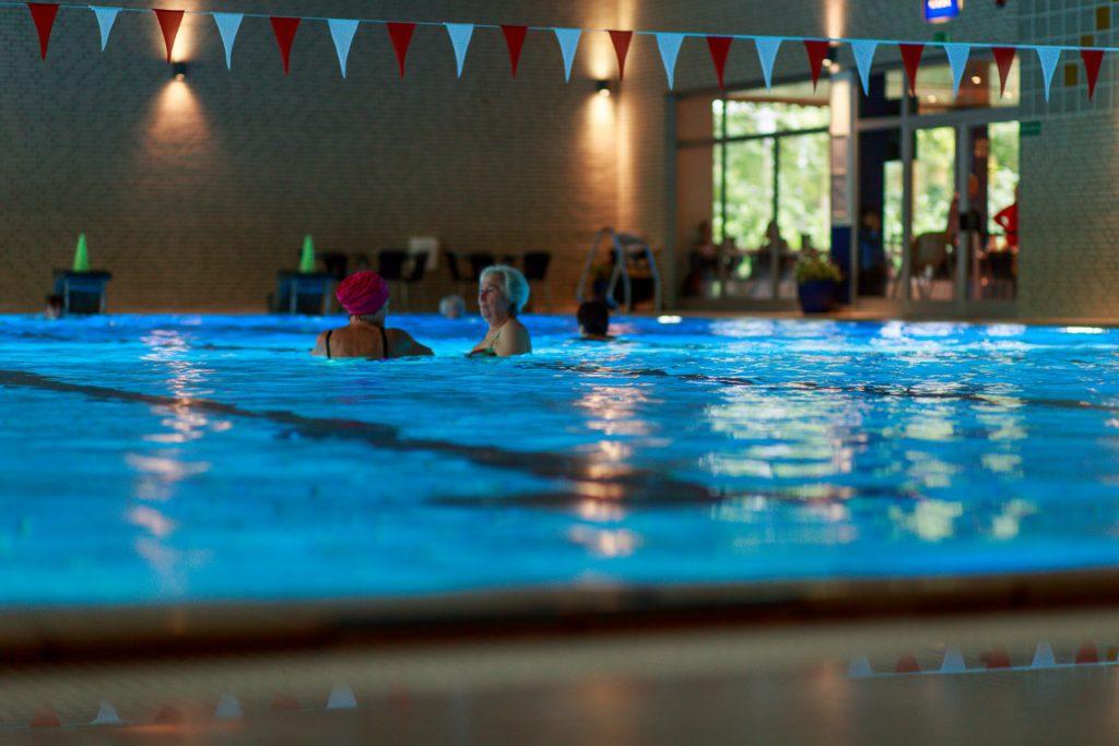 Badegäste im Wasser