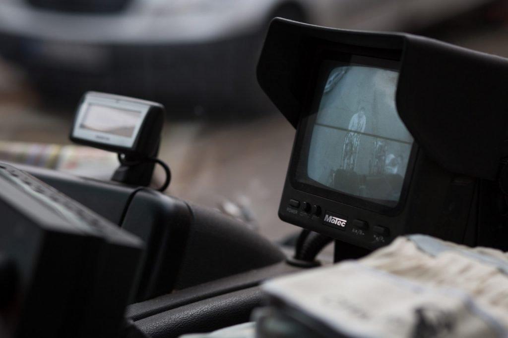 Ein Blick ins Cockpit des Müllautos