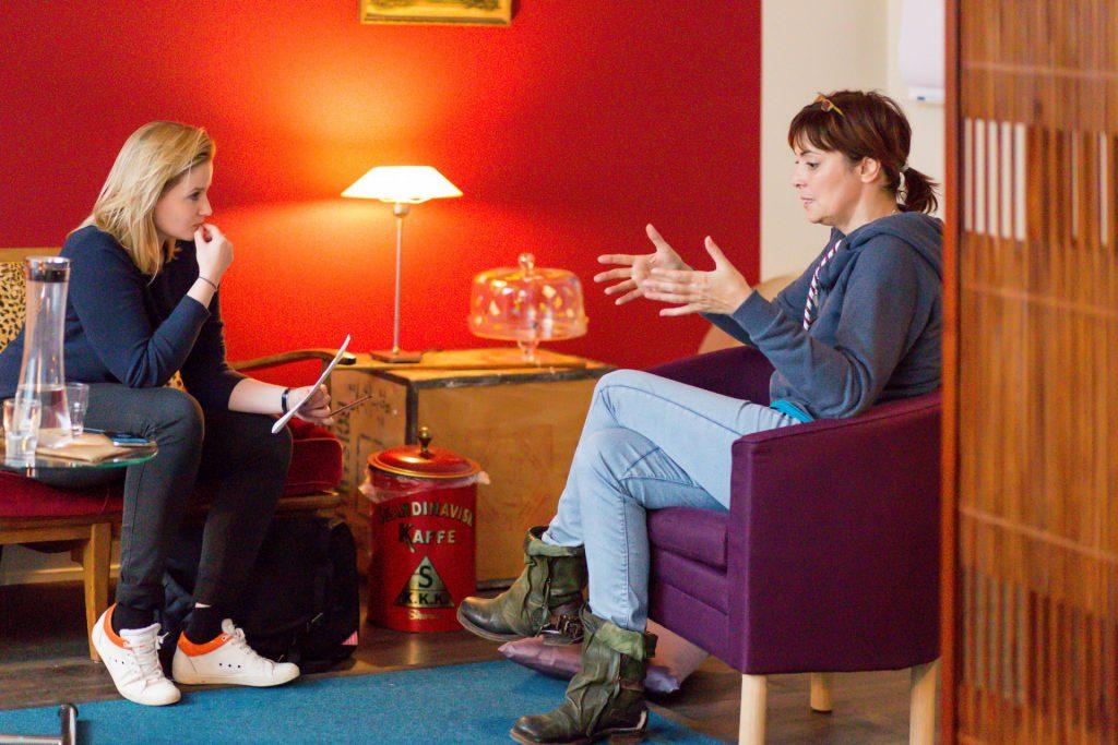 40 Stunden - Ann-Marlene Henning im Gespräch mit Julia Kottkamp