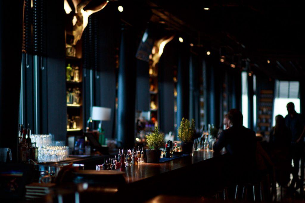 40 Stunden - Bar mit Blick über den Hafen