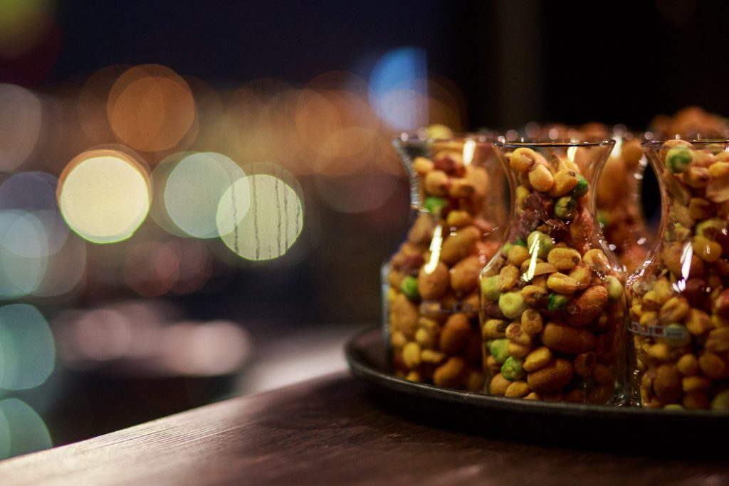 40 Stunden - Erdnüsse im Glas