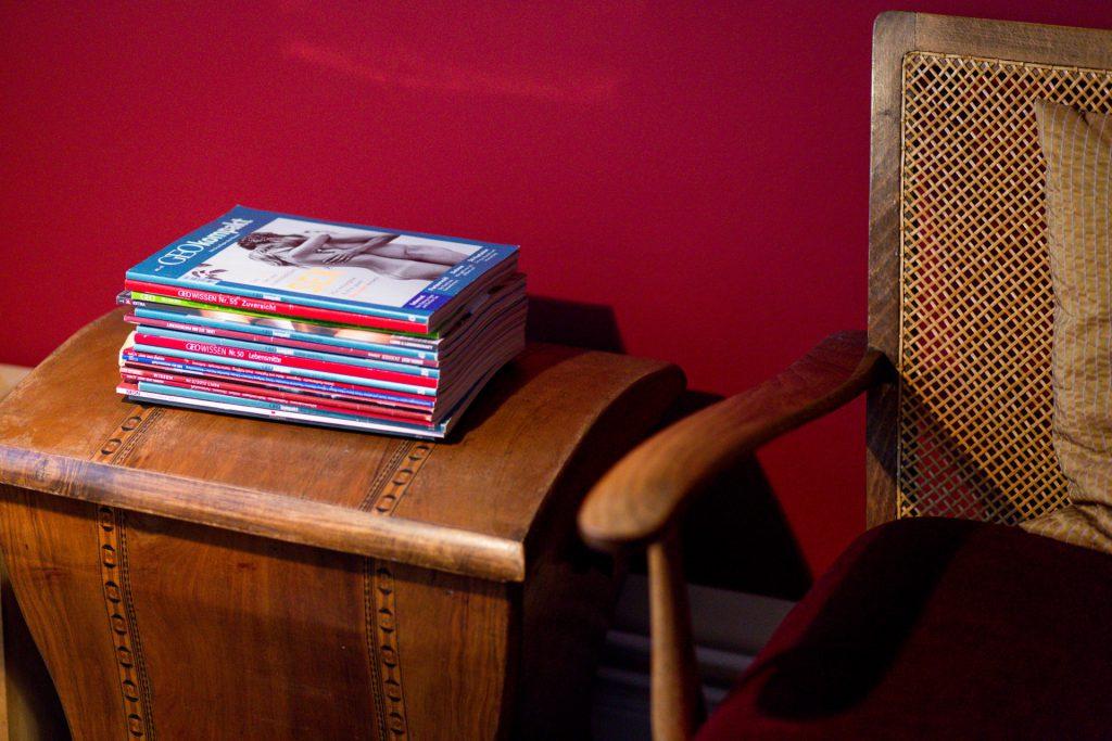 40 Stunden - Lektüre neben dem Sofa