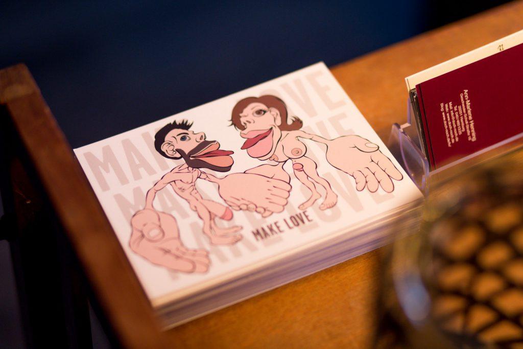 40 Stunden - Nackte Postkarten in Ann-Marlenes Praxis