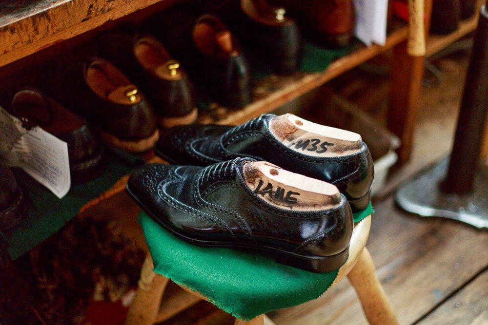40 Stunden - Fertiges Paar Schuhe
