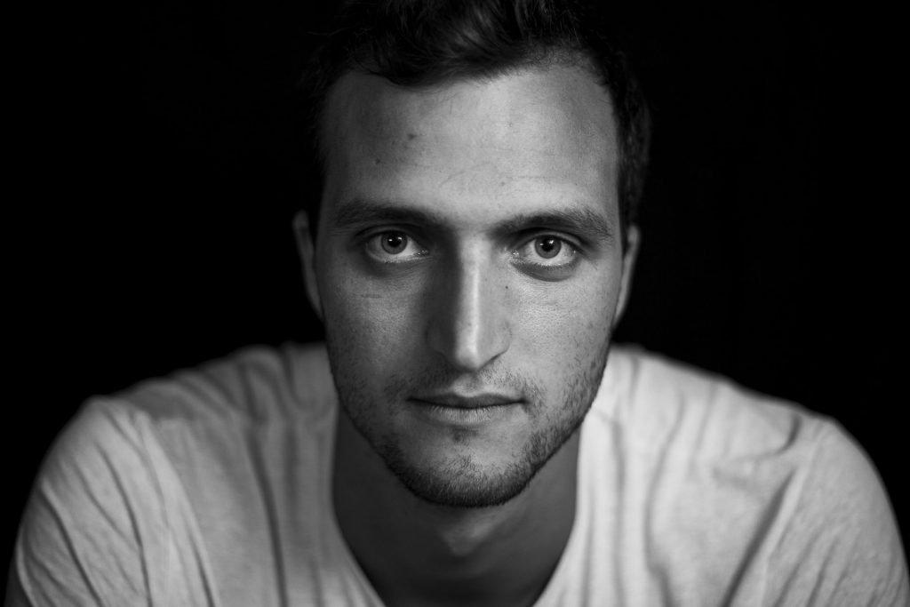 Schwarz-weiß Portrait des Eismannes Mark Deibler