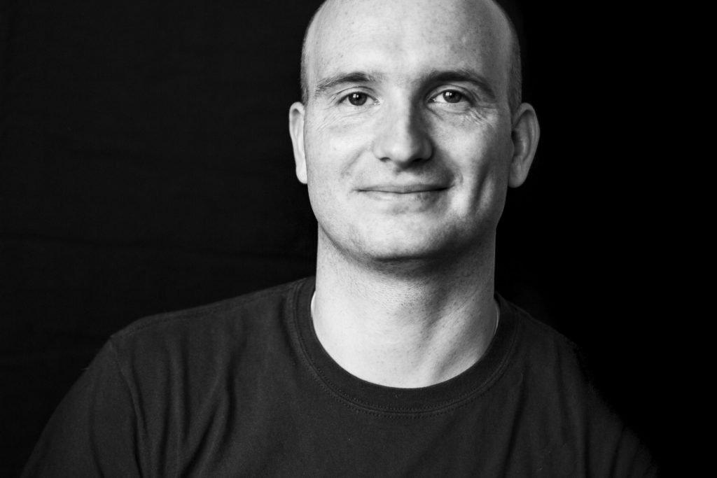 Schwarz-weiß Portrait von Marc Pinkernell