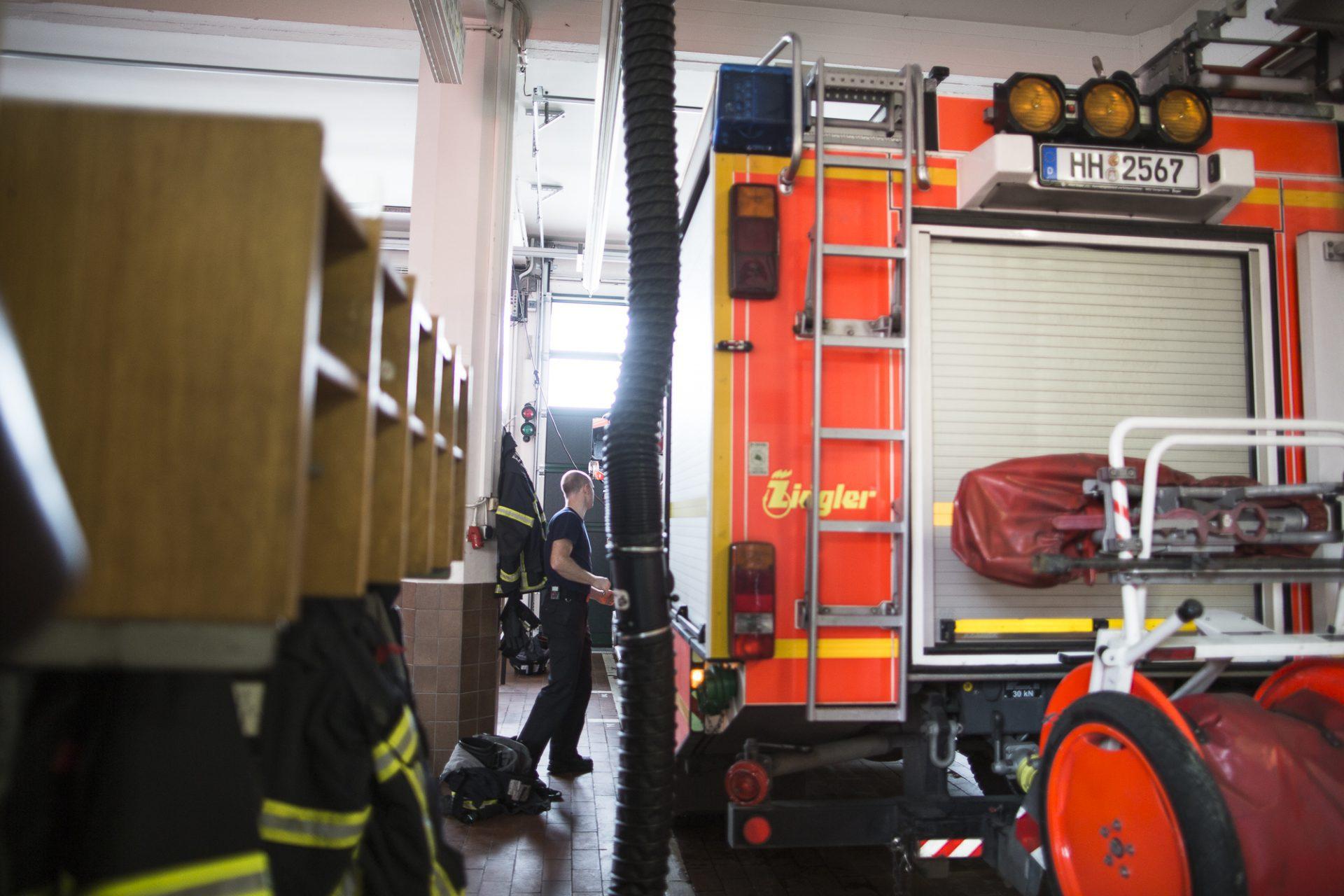 Szenenbild in der Feuerwehr-Halle