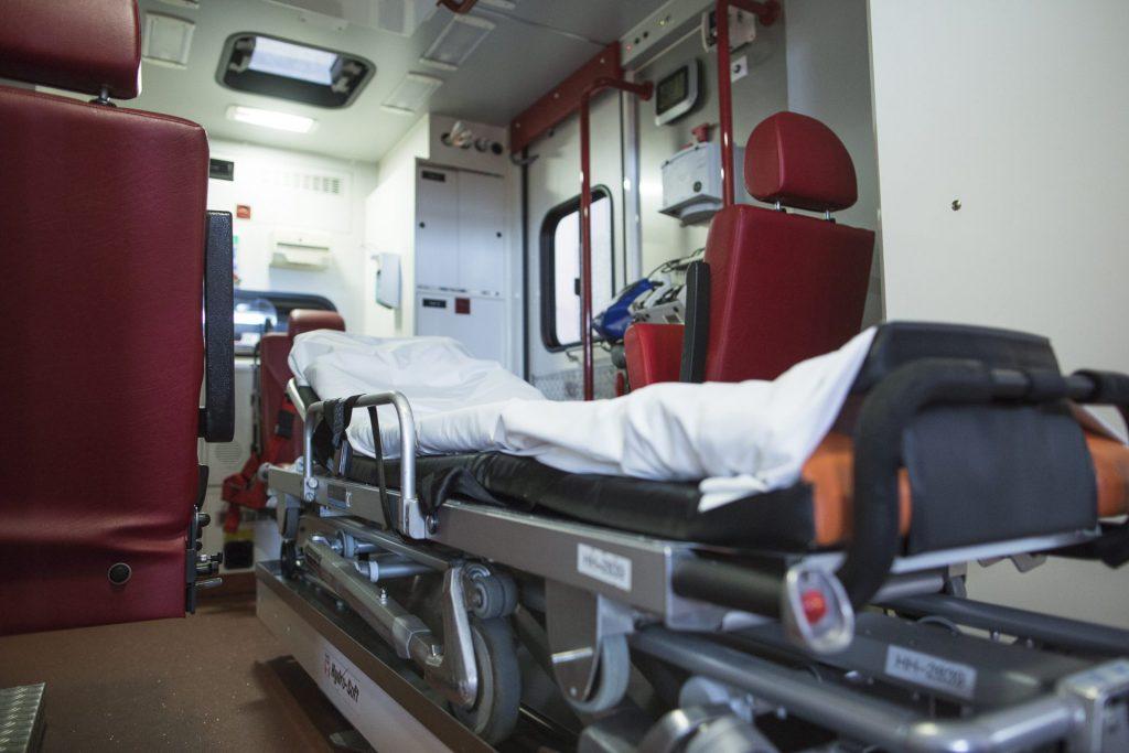 RTW von innen mit Krankenliege