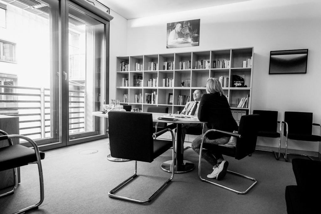 Ansicht des Büros von Gregor Gysi_40 Stunden